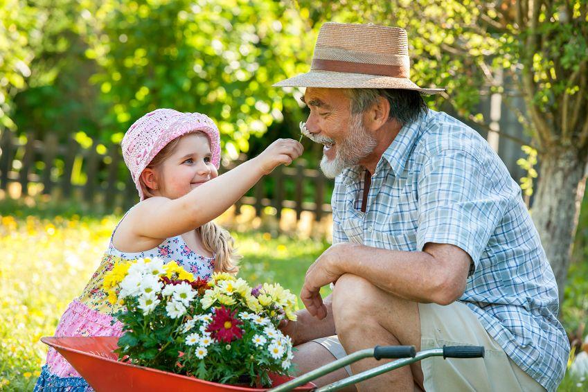 Смотреть дочка с дедом 14 фотография